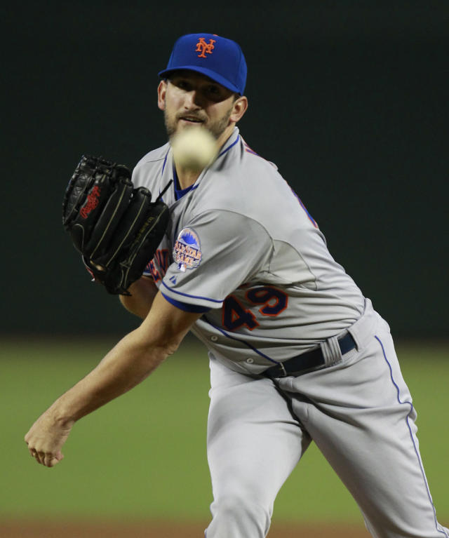 New York Mets pitcher Jonathon Niese throws in the first inning during a baseball game against the Arizona Diamondbacks, Sunday, Aug. 11, 2013, in Phoenix. (AP Photo/Rick Scuteri)