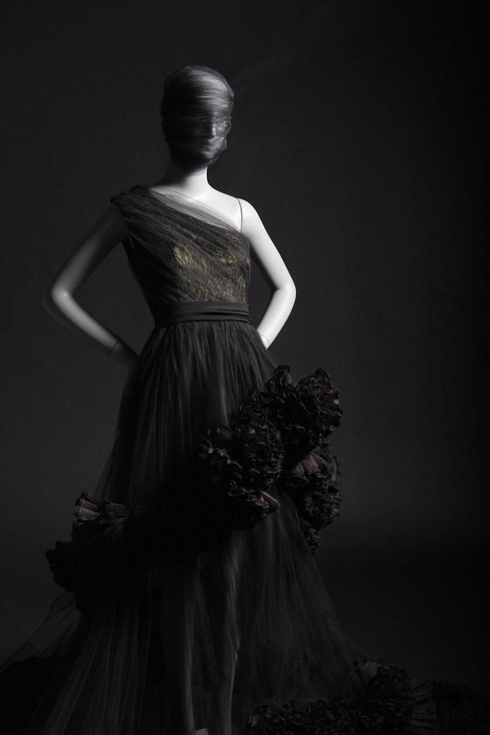 One of Siriano's creations featured in the book. (Photo: Brad Walsh, <em>Dresses to Dream About</em>, by Christian Siriano, Rizzoli New York)