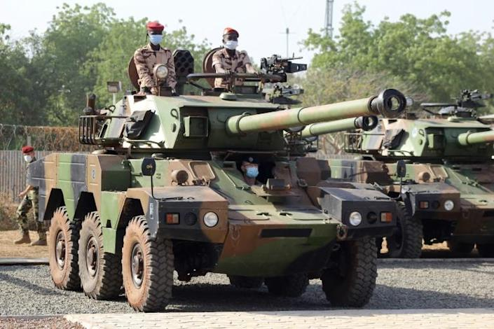 Chadian soldiers aboard French tanks: Deby is a key ally in the French-led fight against jihadists in the Sahel