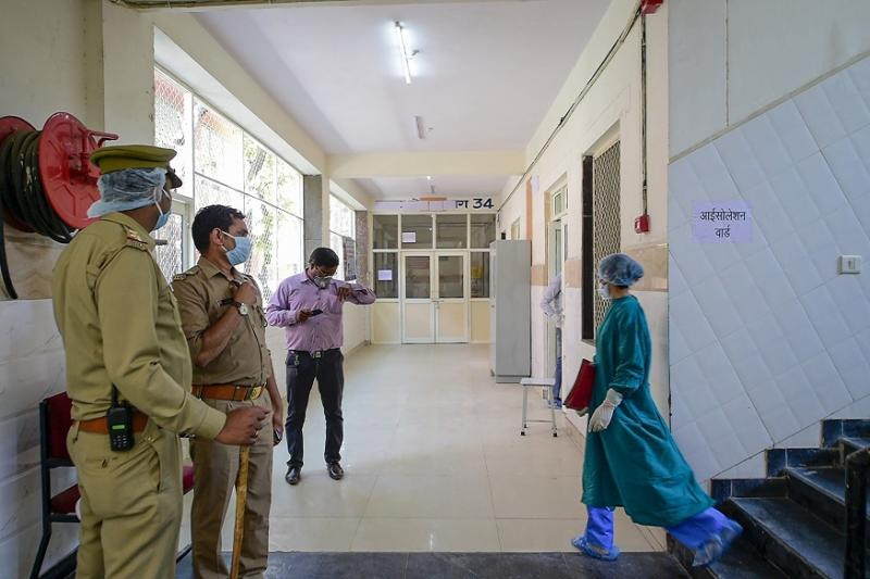 UP Govt to Increase Testing Centers, Provide Cops & Health Workers on Covid-19 Duty with PPE