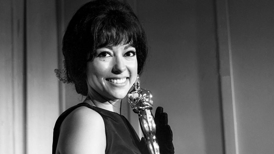 Rita Moreno won an Oscar for Best Supporting Actress for her role in <em>West Side Story.</em> (Photo: Bettmann Archive/Getty Images)