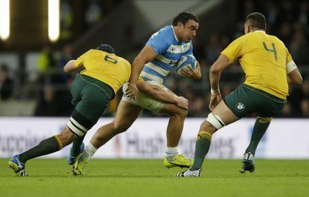 Rugby Union Britain - Argentina v Australia - Rugby Championship - Twickenham Stadium, London, England - 8/10/16 Argentina's Agustin Creevy in action with Australia's Dean Mumm and Rory Arnold Action Images via Reuters / Henry Browne Livepic
