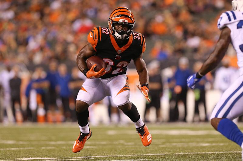 CINCINNATI, OH - AUGUST 30: Cincinnati Bengals running back Mark Walton (32) carries the ball during the preseason game against the Indianapolis Colts and the Cincinnati Bengals on August 30th 2018, at Paul Brown in Cincinnati, OH. (Photo by Ian Johnson/Icon Sportswire via Getty Images)