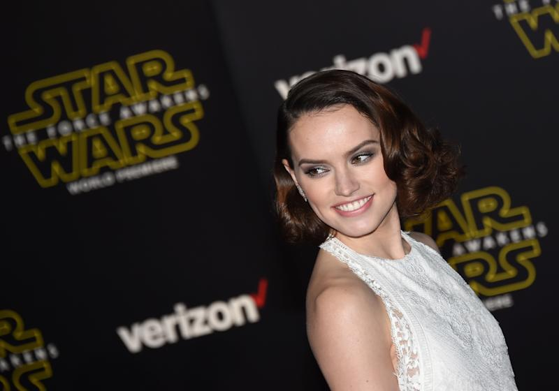 "HOLLYWOOD, CA - DECEMBER 14: Actress Daisy Ridley attends the premiere of Walt Disney Pictures and Lucasfilm's ""Star Wars: The Force Awakens"" at the Dolby Theatre on December 14, 2015 in Hollywood, California. (Photo by Ethan Miller/Getty Images)"