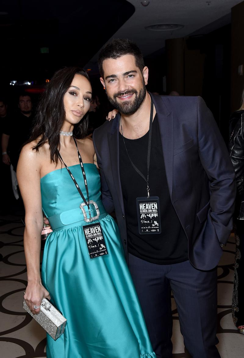 LOS ANGELES, CALIFORNIA - JANUARY 04: (L-R) Cara Santana and Jesse Metcalfe attend The Art Of Elysium Presents WE ARE HEAR'S HEAVEN 2020 at Hollywood Palladium on January 04, 2020 in Los Angeles, California. (Photo by Presley Ann/Getty Images for The Art of Elysium)