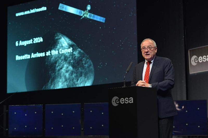 European Space Agency (ESA) Director General Jean-Jacques Dordain discusses the Rosetta comet-chasing mission during a press conference in Darmstadt, Germany, on August 6, 2014 (AFP Photo/Simon Bierwald)