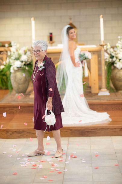 PHOTO: Brenna Kleman asked her 83-year-old grandmother to be her flower girl at her April wedding. (Courtesy Thomas Felts Photography)