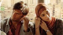 <p>The Box Office seems to think that Gully Boy will be a Superhit. Film Trade Analyst Girish Johar has predicted that Gully Boy will ring in Rs 15 cr on the first day itself. </p>