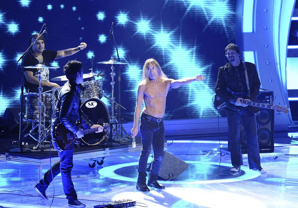 "Iggy Pop performs ""Wild One"" on ""American Idol."""