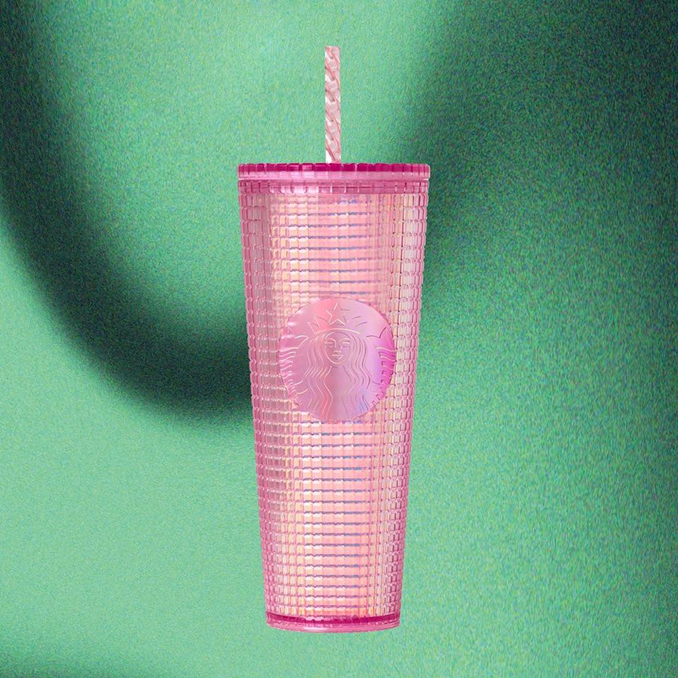 <h3>Pink Grid Cold Cup (24 oz)</h3><strong>$19.95<br></strong><br>Starbucks never forsakes those who thrive on glamour.