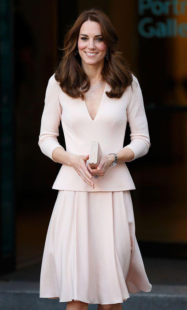 "<p>The Duchess wore a look by <a href=""http://bit.ly/1f1CsXE"" rel=""nofollow noopener"" target=""_blank"" data-ylk=""slk:Alexander McQueen"" class=""link rapid-noclick-resp"">Alexander McQueen</a> to the <a href=""http://www.npg.org.uk/"" rel=""nofollow noopener"" target=""_blank"" data-ylk=""slk:National Portrait Gallery"" class=""link rapid-noclick-resp"">National Portrait Gallery</a>.</p>"