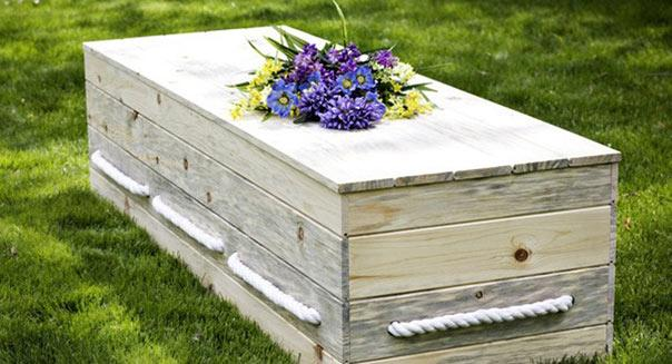 http://funerals.naturalburialcompany.com/products/The-NORTHWOODS-Pine-Casket.html