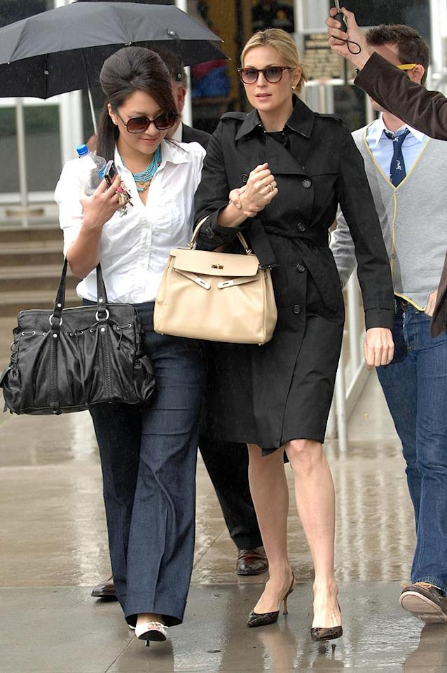 """There's definitely no love between actress Kelly Rutherford and her estranged husband Daniel Giersch. A California judge ruled Friday that the """"Gossip Girl"""" star can take her two-year-old son Hermes to New York City while she films the show. Her ex had objected to the move, saying their son """"doesn't feel comfortable in New York."""" Richard Beetham/<a href=""""http://www.splashnewsonline.com"""" target=""""new"""">Splash News</a> - January 18, 2009"""