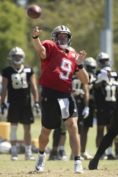 New Orleans Saints quarterback Drew Brees throws a pass during a joint NFL football practice with the Los Angeles Chargers in Costa Mesa, Calif., Friday, Aug. 16, 2019. (AP Photo/Kyusung Gong)