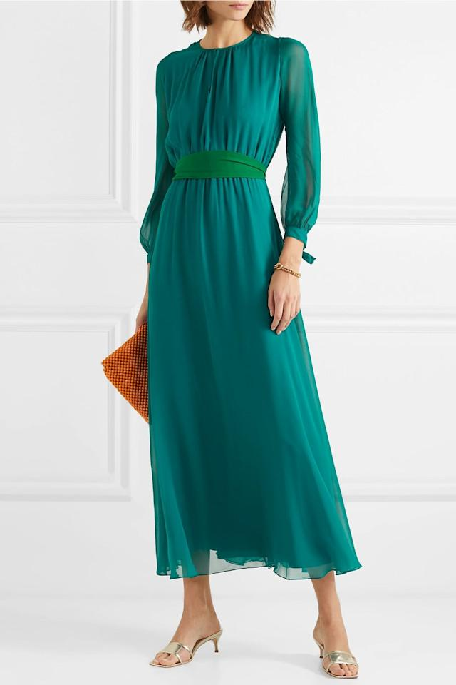 "<p><a href=""https://www.popsugar.com/buy/ARoss-Girl-x-Soler-Amanda-Silk-Georgette-Maxi-Dress-496879?p_name=ARoss%20Girl%20x%20Soler%20Amanda%20Silk%20Georgette%20Maxi%20Dress&retailer=net-a-porter.com&pid=496879&price=556&evar1=fab%3Aus&evar9=46705580&evar98=https%3A%2F%2Fwww.popsugar.com%2Fphoto-gallery%2F46705580%2Fimage%2F46705598%2FBuy-Kate-Exact-ARoss-Girl-Dress&list1=shopping%2Cdresses%2Cget%20the%20look&prop13=api&pdata=1"" rel=""nofollow"" data-shoppable-link=""1"" target=""_blank"" class=""ga-track"" data-ga-category=""Related"" data-ga-label=""https://www.net-a-porter.com/us/en/product/1136904/aross_girl_x_soler/amanda-silk-georgette-maxi-dress"" data-ga-action=""In-Line Links"">ARoss Girl x Soler Amanda Silk Georgette Maxi Dress</a> ($556, originally $1,390)</p>"