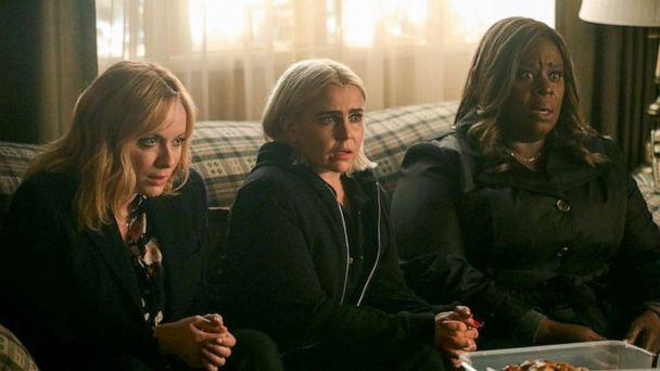 PHOTO: Christina Hendricks, Mae Whitman and Retta in a scene from 'Good Girls.' (NBC)