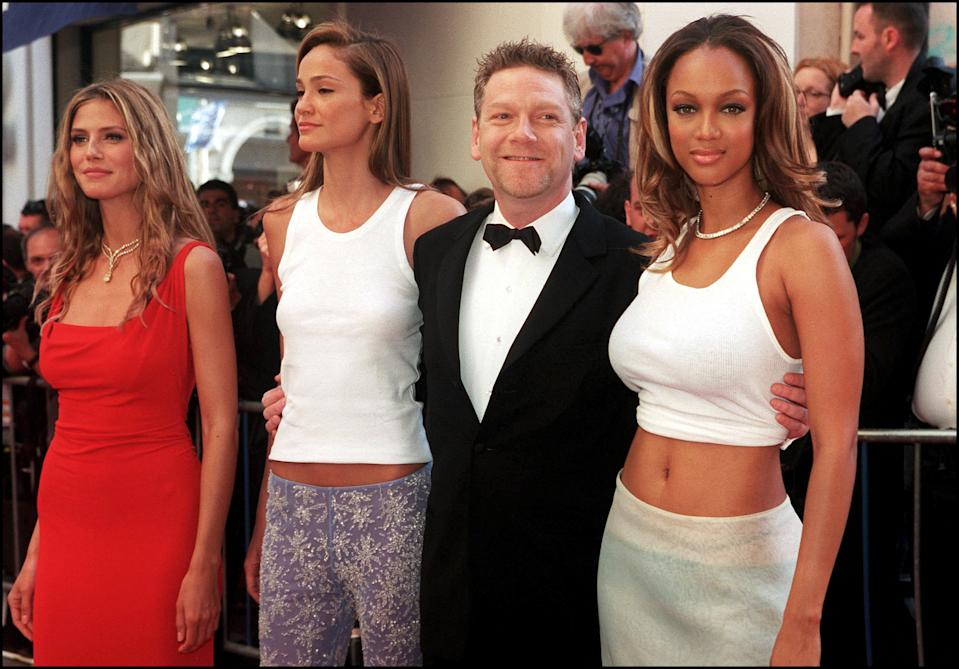 """FRANCE - MAY 18: Cannes film festival : guests of AMFAR gala at the projection of """"Love's Labours Lost"""" In Cannes, France On May 18, 2000-Heidi Klum, Ines Rivero, Kenneth Branagh, Tyra Banks. (Photo by Pool BENAINOUS/DUCLOS/Gamma-Rapho via Getty Images)"""