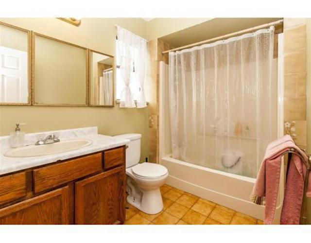 <p><span>783 Clark Rd., Coquitlam, B.C.</span><br> There are also three bathrooms.<br> (Photo: Zoocasa) </p>