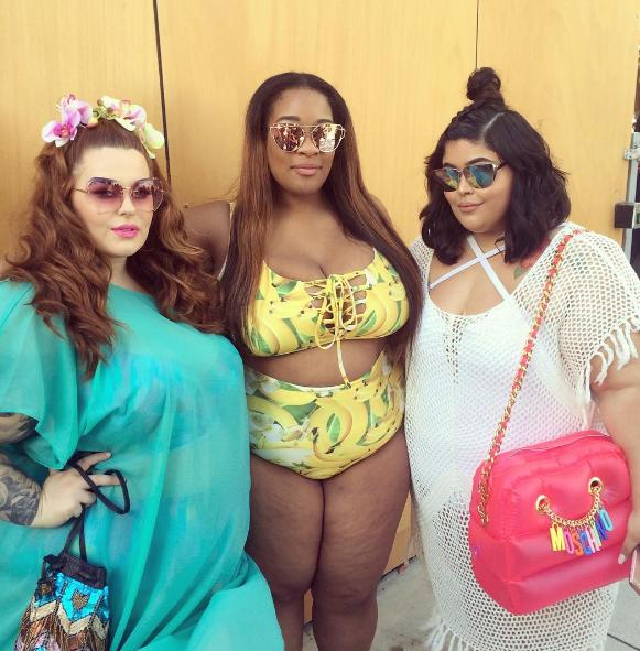 At a Plus-Size Pool Party, Women Show Off Their Curves and ... | 581 x 591 jpeg 69kB