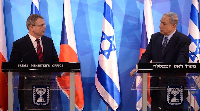 Israeli Prime Minister Benjamin Netanyahu (R) and Czech Foreign Minister Lubomir Zaoralek (L) make statements to the press before a meeting in the prime minister's office in Jerusalem on June 8, 2015