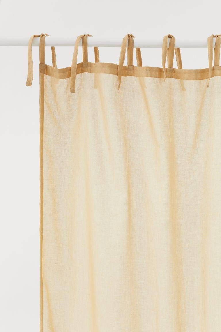 <p>Upgrade any room with these <span>H&amp;M Curtain Panels</span> ($30 for two).</p>