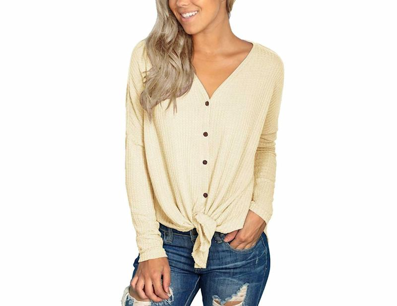 IWOLLENCE Womens Waffle Knit Tunic Blouse. (Photo: Amazon)