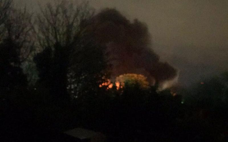 Five fuel tankers on fire in Botany Way, Purfleet - Twitter Cheryl_bel
