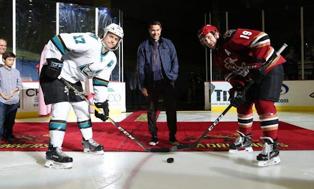 Photo of Craig Cunningham dropping the ceremonial first puck at a Tucson Roadrunners game on Saturday, March 25. (Kate Dibilbox)