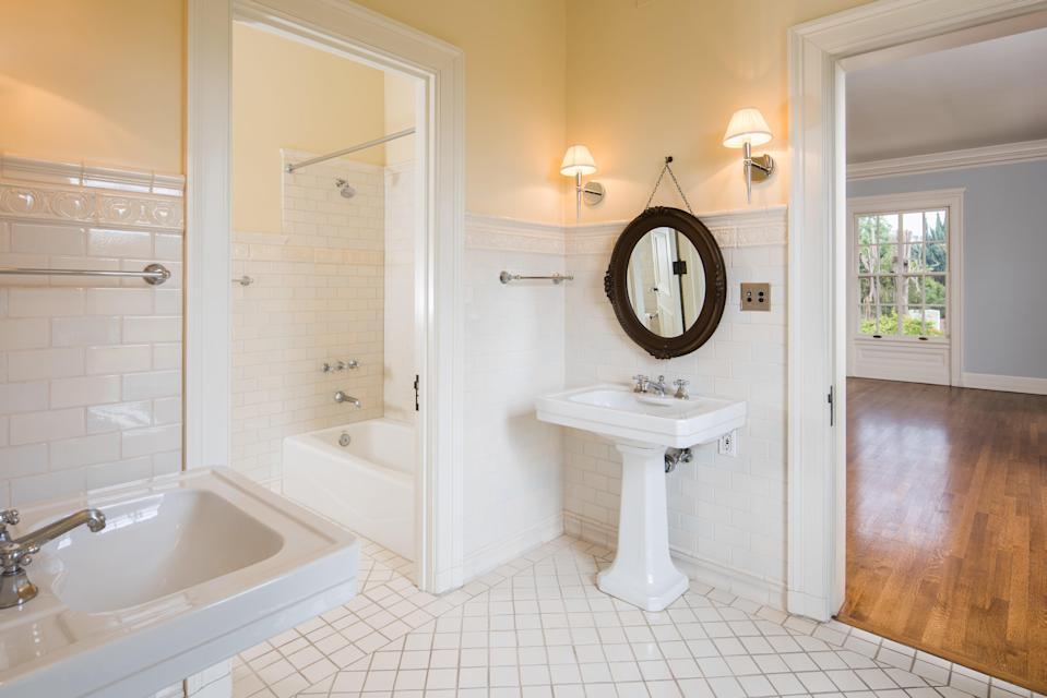 All your guests can ready themselves for your marvelous parties at once in one of 11 bathrooms. (Photo: Berkshire Hathaway HomeServices California Properties)