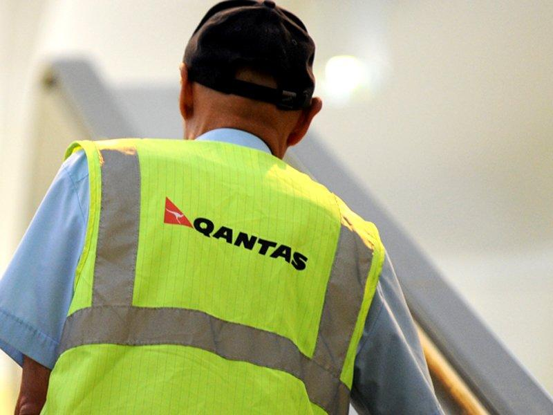 Qantas cuts jobs in engineering operations