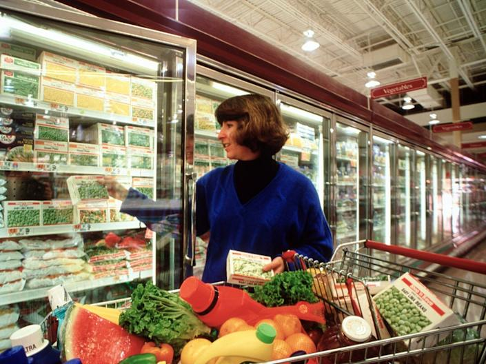 frozen food vegetables grocery shopping