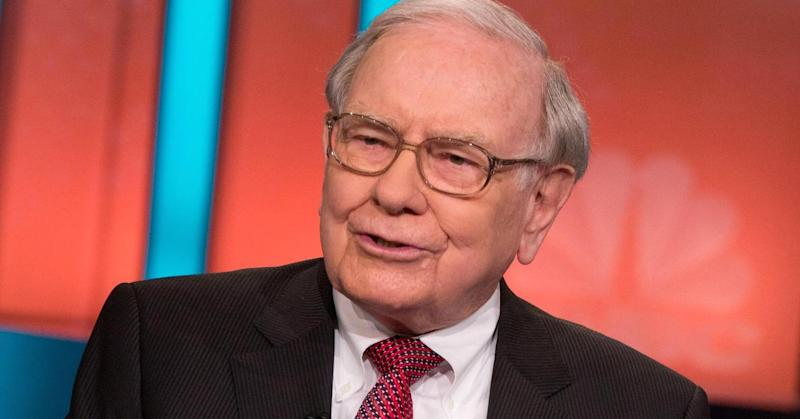 Warren Buffett's bad week: $2.5B lost on two stocks