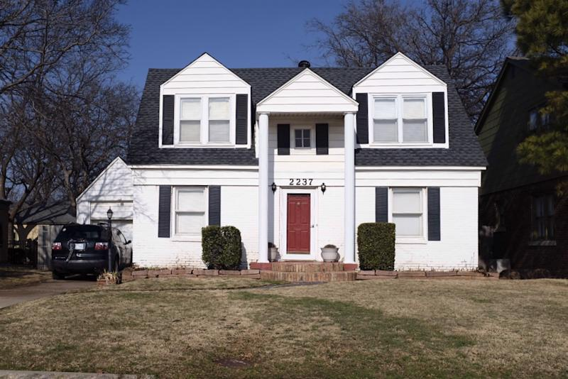 In 1960, Elizabeth Warren and her family moved to this home in Oklahoma City, Okla