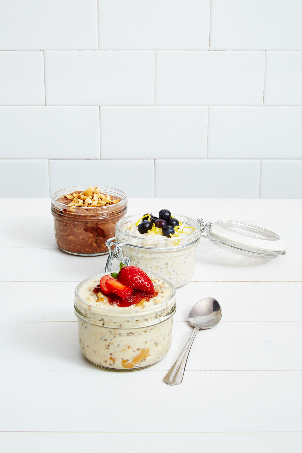 <p>Spend a few minutes prepping tonight, and you'll be rewarded with a morning meal that's way more inspiring than a bowl of cereal: In a mason jar, mix 1/2 cup <strong>old-</strong><strong>fashioned oats</strong>, 1 Tbsp <strong>chia seeds</strong>, 1 Tbsp <strong>honey</strong> and 3/4 cup<strong> coconut milk</strong>. Cover, shake and chill overnight. In the morning, add <strong>lemon zest</strong>, <strong>nuts</strong> or <strong>berries</strong> and dig in!</p>