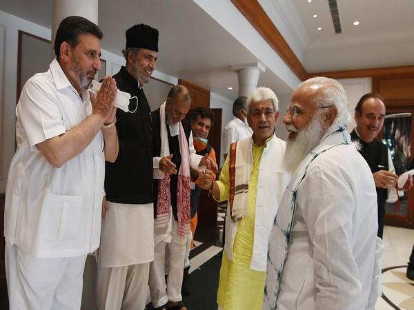 Jammu and Kashmir leaders interact with PM Modi (Photo/Twitter)