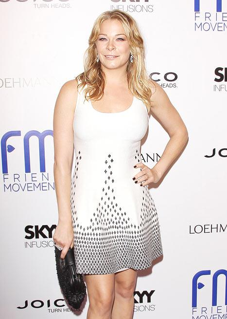 """LeAnn Rimes Recalls Being Bullied: A Girl """"Brought a Knife to School"""""""