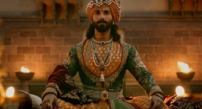 <p>Padmaavat is also Shahid's first constume or period drama. Guy was handsome all along, but we had yet to see him in this larger-than-life avatar. The teaser says he has done a perfect job essaying the Rajput ruler Ratan Singh and we have waited a li'l too much to see more of this royal king. </p>