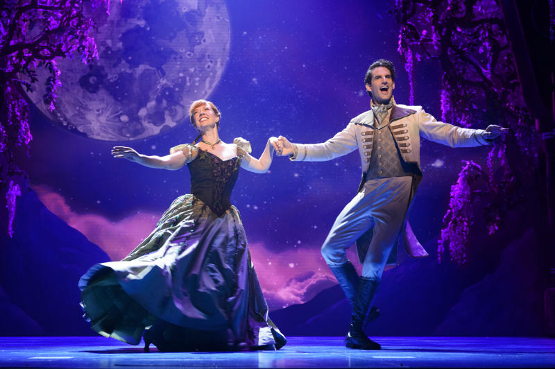 Patti Murin (Anna) and John Riddle (Hans) in the Broadway musical 'Frozen' (Photo: Deen van Meer/Disney)