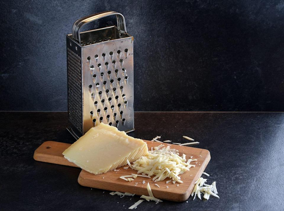 box cheese grater with cheese block