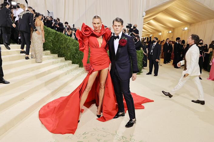 """<h1 class=""""title"""">Karlie Kloss and Wes Gordon</h1><cite class=""""credit"""">Photo: Getty Images</cite>"""