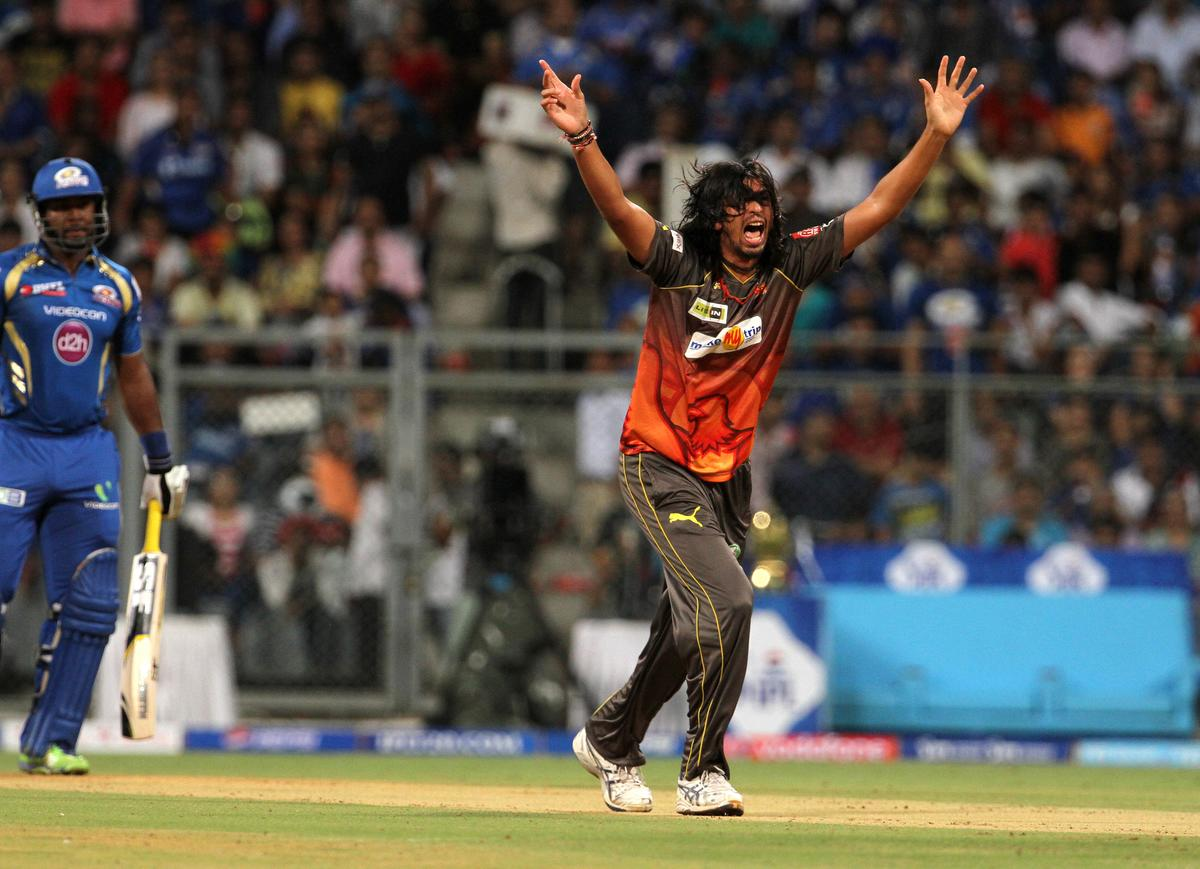 Sun Risers Hyderabad player Ishant Sharma appeals unsuccessfully during match 62 of the Pepsi Indian Premier League ( IPL) 2013  between The Mumbai Indians and the Sunrisers Hyderabad held at the Wankhede Stadium in Mumbai on the 13th May 2013 ..Photo by Vipin Pawar-IPL-SPORTZPICS  ..Use of this image is subject to the terms and conditions as outlined by the BCCI. These terms can be found by following this link:..https://ec.yimg.com/ec?url=http%3a%2f%2fwww.sportzpics.co.za%2fimage%2fI0000SoRagM2cIEc&t=1495846557&sig=ye.1LKDK_TNlO9ZaMmHHWA--~C