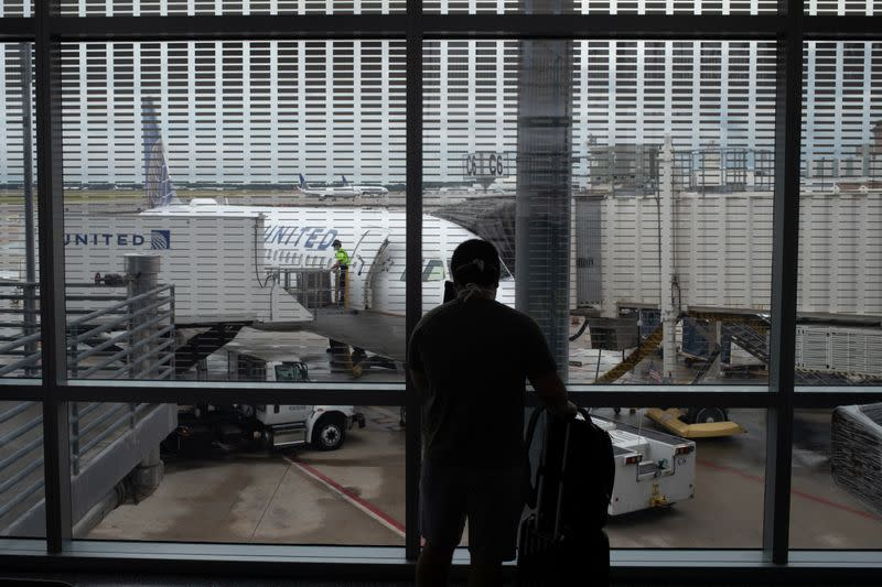 Passenger photographs United Airlines plane at IAH airport in Houston