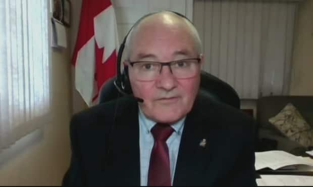 Malpeque MP Wayne Easter and his U.S. counterpart, Congressman Brian Higgins, issued a joint statement Wednesday nudging their governments to prepare a plan to reopen the Canada-U.S. border. (CBC - image credit)
