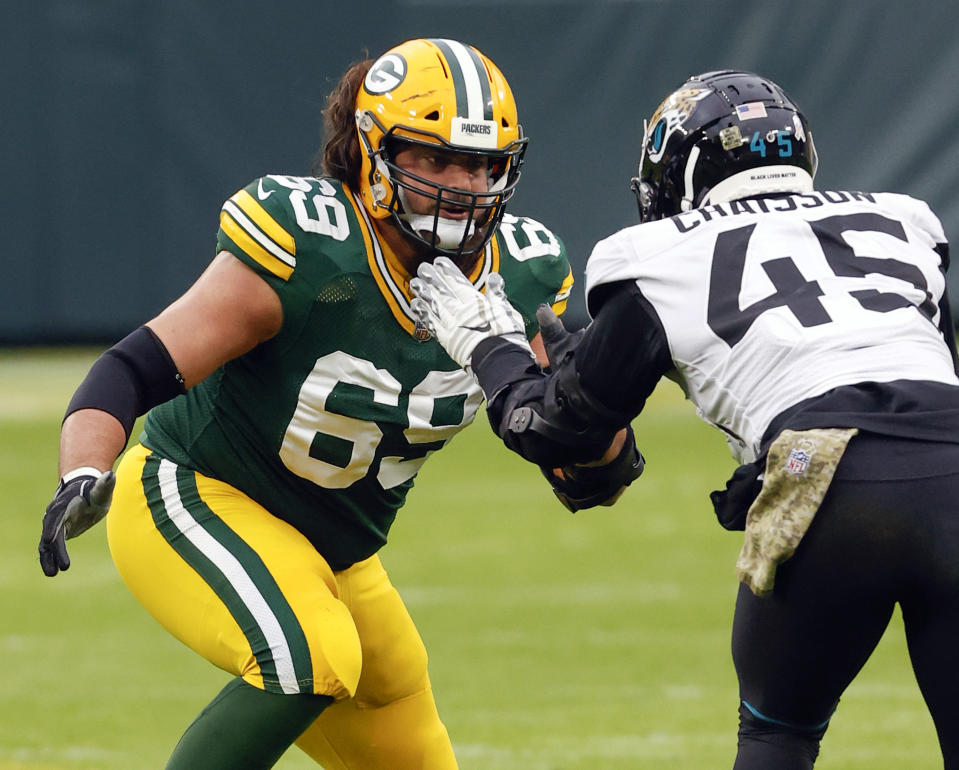 Green Bay Packers offensive tackle David Bakhtiari (69) reportedly suffered a major knee injury in practice. (AP Photo/Jeffrey Phelps, File)