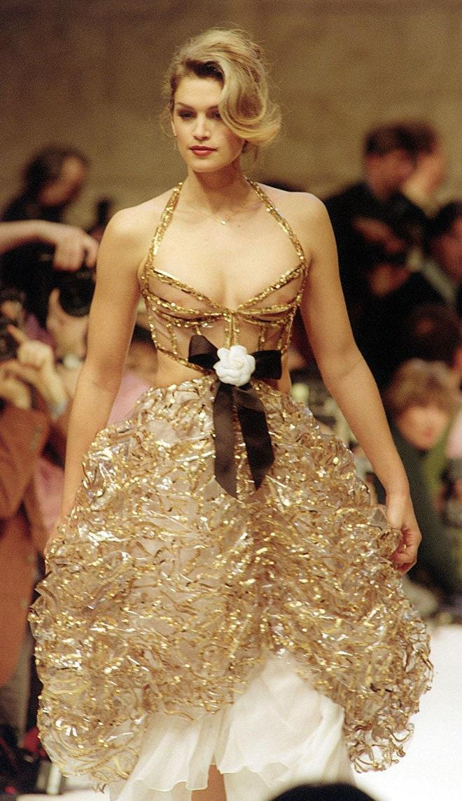 Cindy Crawford during the Chanel Haute Couture Spring/Summer 1993 show