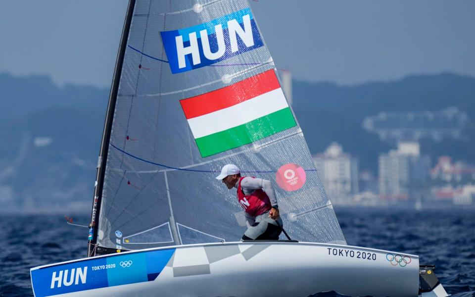 Hungary's Berecz now leads - AP