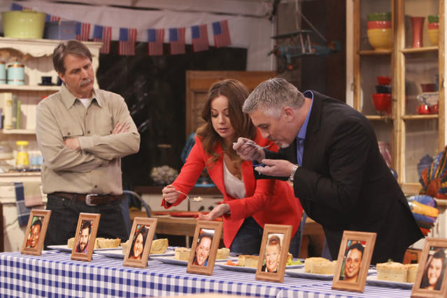 """Host Jeff Foxworthy looks on as judges chef Marcela Valladolid and Paul Hollywood, star baker and judge of the UK show version, sample the contestants' baked goods and prepare to eliminate one amateur baker on """"The American Baking Competition,"""" premiering Wednesday, May 29 (8:00-9:00 PM, ET/PT) on CBS."""