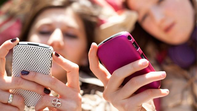 6 Ways Parents Can Save on Kids' Texting