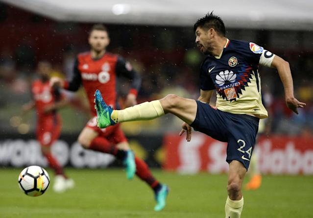 Soccer Football - CONCACAF Champions League - Club America v Toronto FC - Azteca stadium, Mexico City, Mexico - April 10, 2018 - Oribe Peralta of Club America in action. REUTERS/Henry Romero