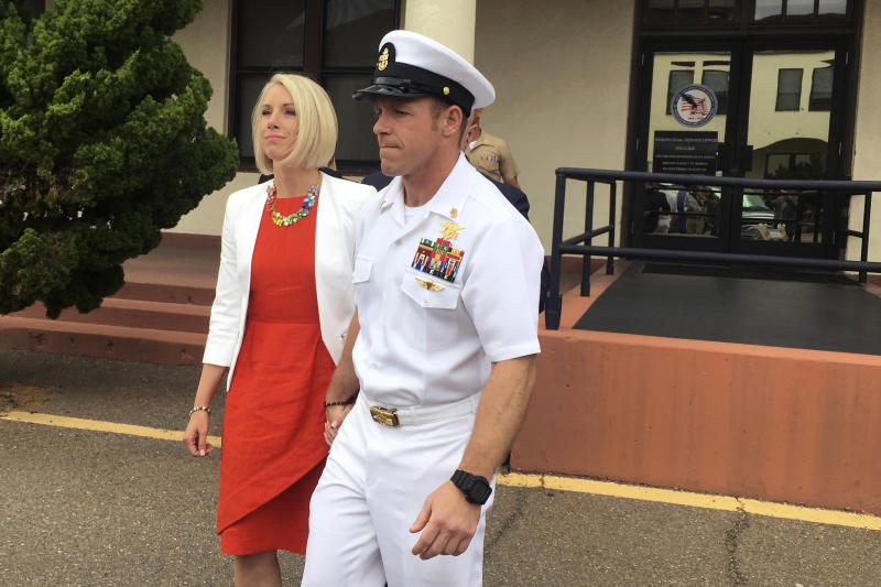 Navy SEAL reveals on stand he killed prisoner, not chief